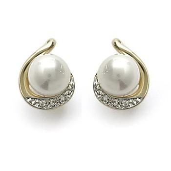 Boucles d'oreilles en plaqué-or, cubic zirconium et perle d'imitation.